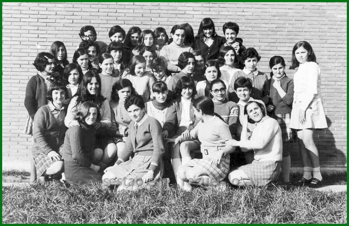 Alumnas del Instituto de Sestao. 1970. Cedida por Eméri Díaz Oribe.