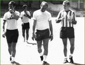 De izquierda a derecha Gonzalo Beitia, Helmut Senekowisth y Manolo Delgado. Al fondo, Javier Irureta. Las Llanas. 22-07-1979.
