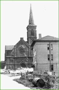 Voladura controlada de la Iglesia del Carmen. 1974.