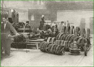 Taller mecánico. Fresado de engranes. Babcock & Wilcox. 1930.