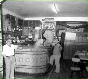 Bar Azul. Txabarri 13. Años 50. Placi Saez.