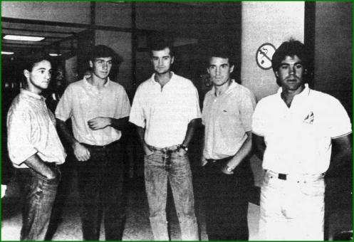 Parte de la plantilla del RCD Español de Clemente. De Izq a Dercha Roig, Losada, Etxebarria, Zubillaga y Urkiaga. 1987.