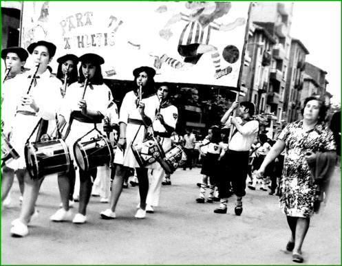 Bajada de Simondrogas. 1975.  Itxaso López Murua.