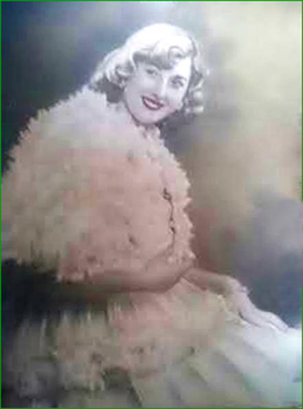 Ganadora del concurso del Vestido barato. 1947. Itxaso López Murua.