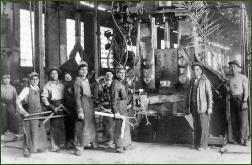 AHV. Inauguración del martillo de vapor. 1945.