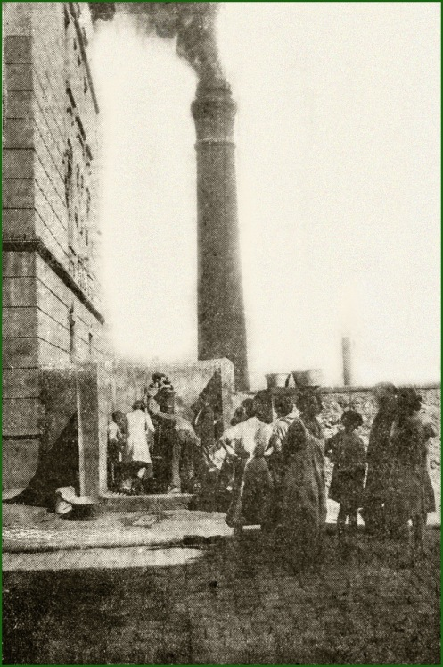 Colas ante la escasez de agua. Txabarri. Septiembre de 1926.