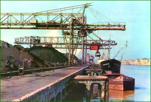 AH040 Sestao. Muelle y parque de carbones..jpg