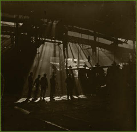 Instal·lacions dels Altos hornos de Vizcaia. Vista de la secció de laminat.