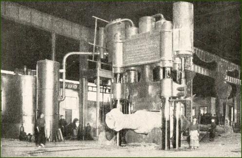 ahv-taller-fe-forja-grande-prensa-de-2-000-tons-1918