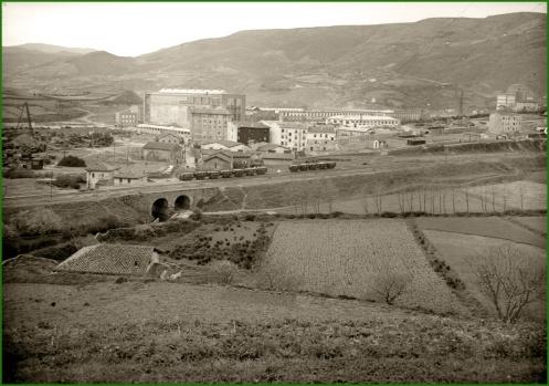 barrio-de-galindo-trapaga-bizkaia-ferrocarril-sestao-galdeames-galindo-29-de-marzo-de-1958