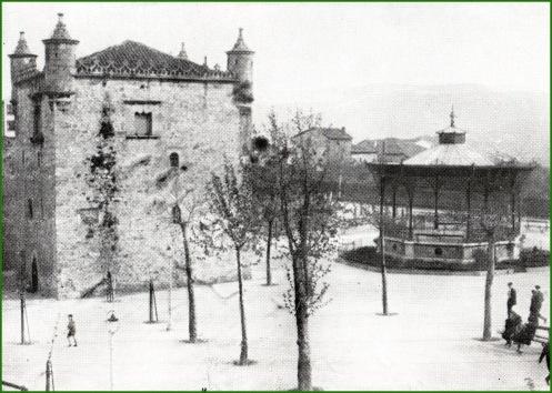 plaza-de-alfonso-xiii-anos-20