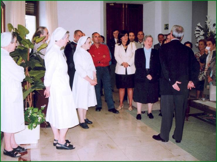 sesta669-despedida-de-las-monjas-del-asilo-20-12-2004